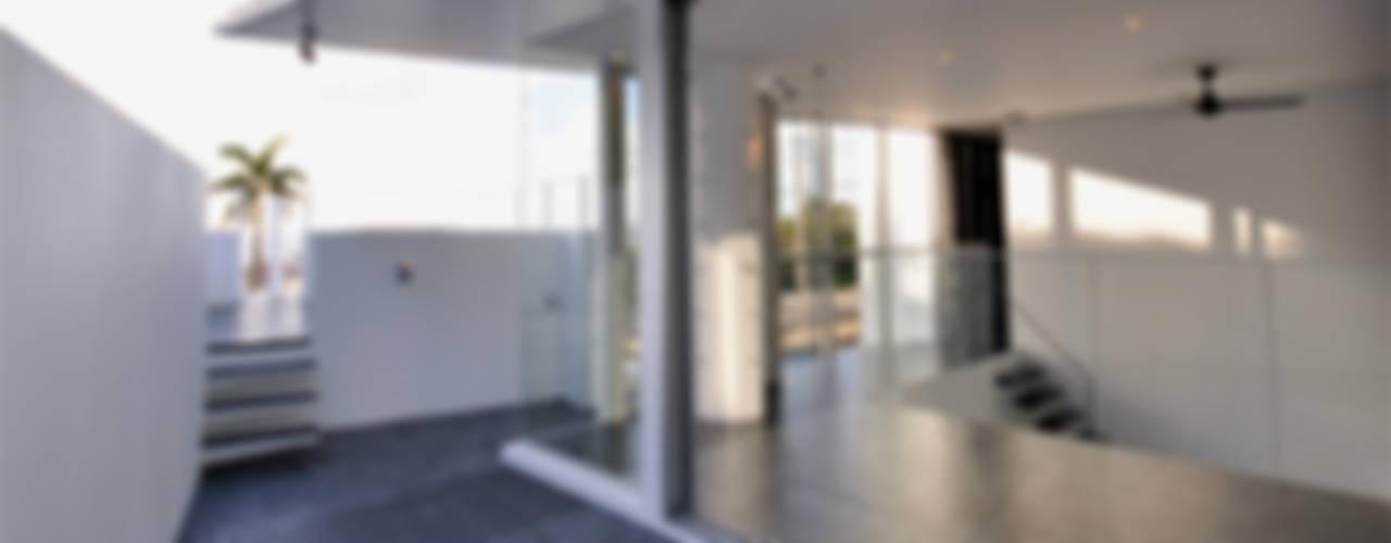 門一級建築士事務所의  베란다