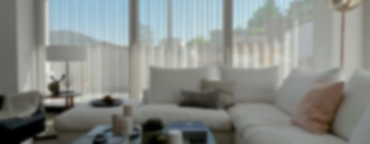 Attico, restyling in 70 mq: Soggiorno in stile in stile Moderno di MD Creative Lab - Architettura & Design