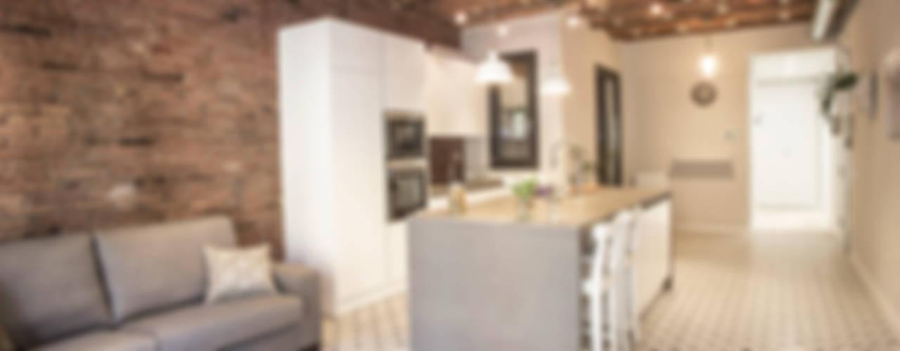 廚房 by Grupo Inventia, 現代風