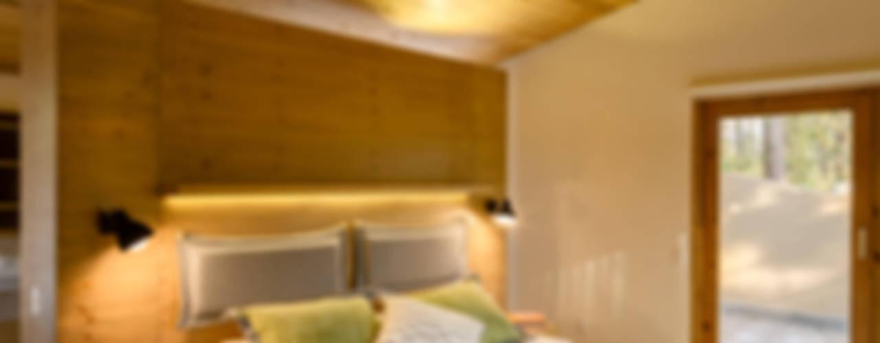 Recámara principal - Casa 5: Recámaras de estilo  por Weber Arquitectos