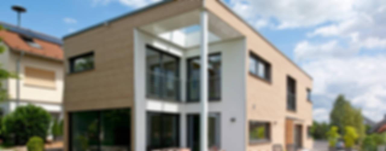 Filigrane Architektur trifft ökologische und modernste Technik Moderne Häuser von KitzlingerHaus GmbH & Co. KG Modern