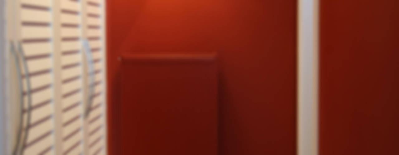 クラシカルスタイルの 玄関&廊下&階段 の İndeko İç Mimari ve Tasarım クラシック