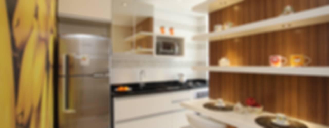 Cocinas de estilo  por Pricila Dalzochio Arquitetura e Interiores