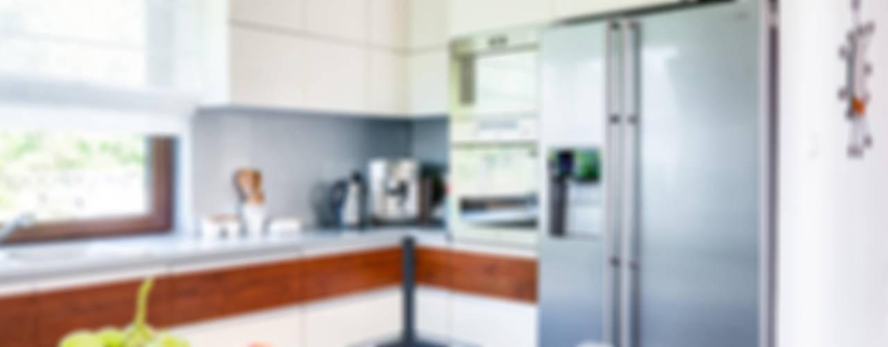 Kitchen by Biuro Projektów MTM Styl - domywstylu.pl