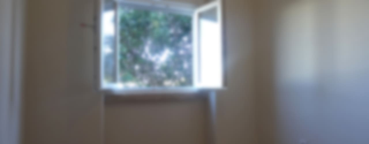 Chambre de style  par Happy Ideas At Home - Arquitetura e Remodelação de Interiores