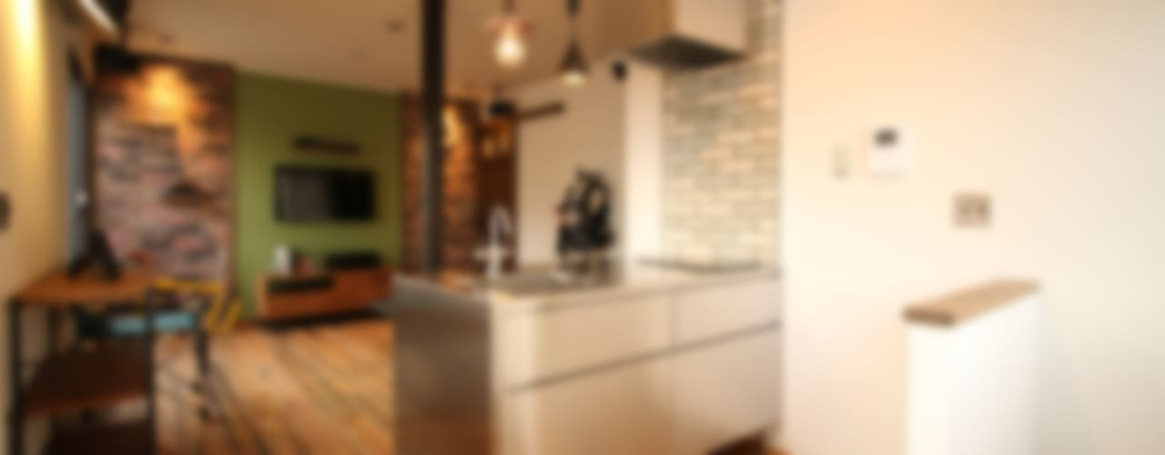 Kitchen by いえラボ, Modern