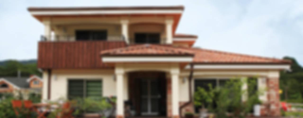 Mediterranean style house by 지성하우징 Mediterranean