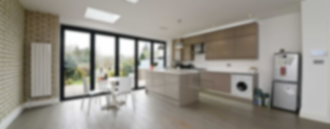 Thornfield Avenue, NW7 :  Kitchen by POWER 2 BUILD LTD,