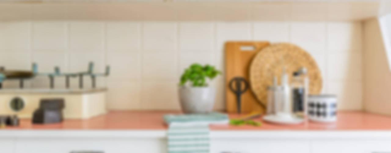 Cocinas de estilo escandinavo de Venduta a Prima Vista Escandinavo