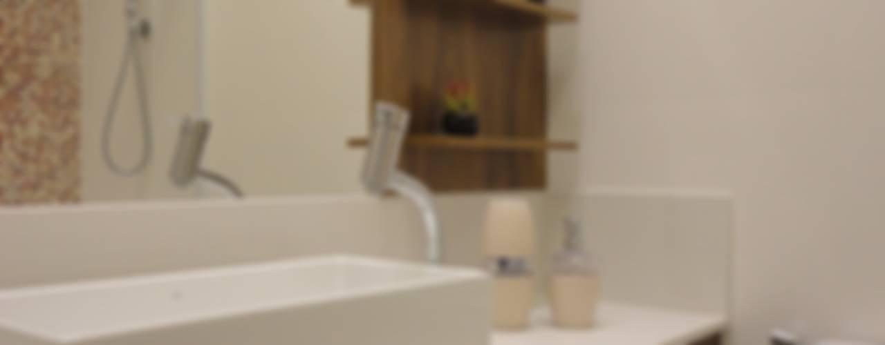 حمام تنفيذ Maria Helena Torres Arquitetura e Design,