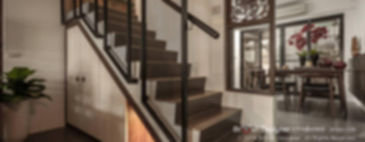 大不列顛空間感室內裝修設計 Pasillos, hall y escaleras de estilo asiático