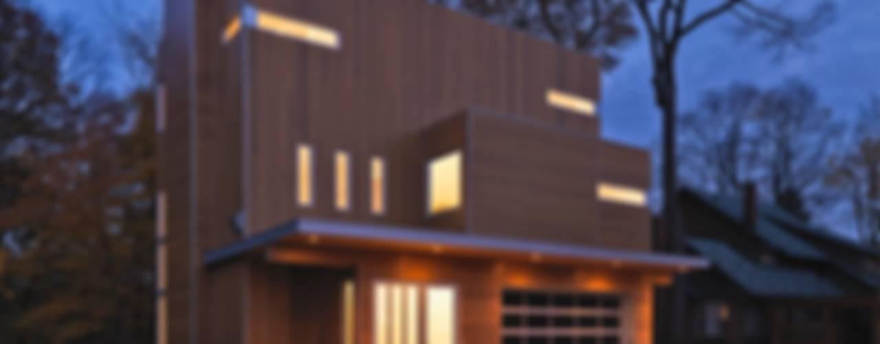 Linebox Studio 現代房屋設計點子、靈感 & 圖片 Brown