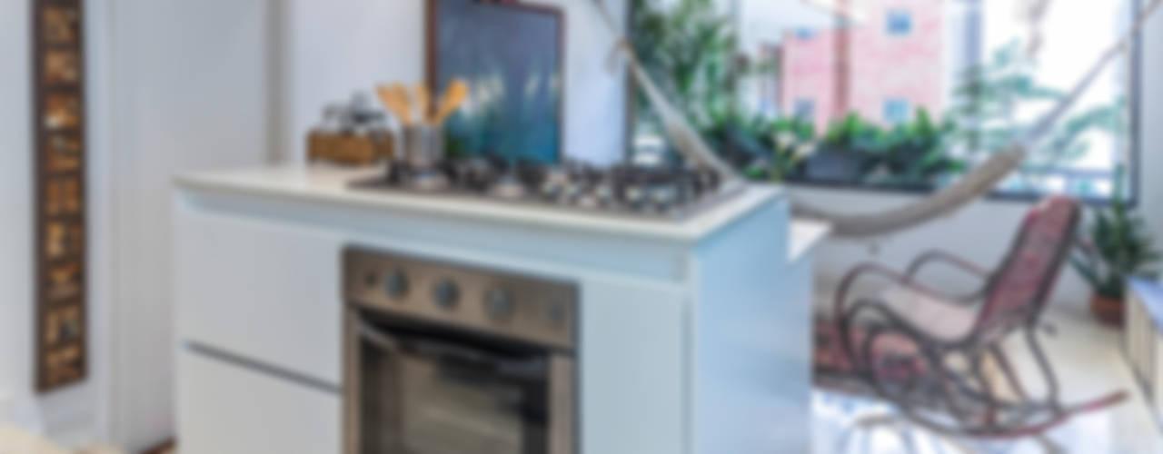 Apartamento F Cocinas de estilo moderno de CENTRAL ARQUITECTURA Moderno