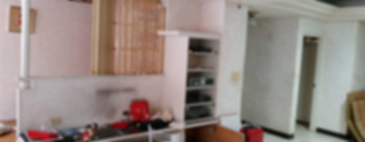 Wohnzimmer von Green Leaf Interior青葉室內設計
