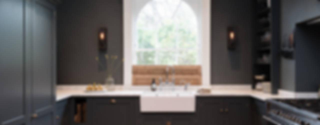 The Bloomsbury WC1 Kitchen by deVOL:  Kitchen by deVOL Kitchens,