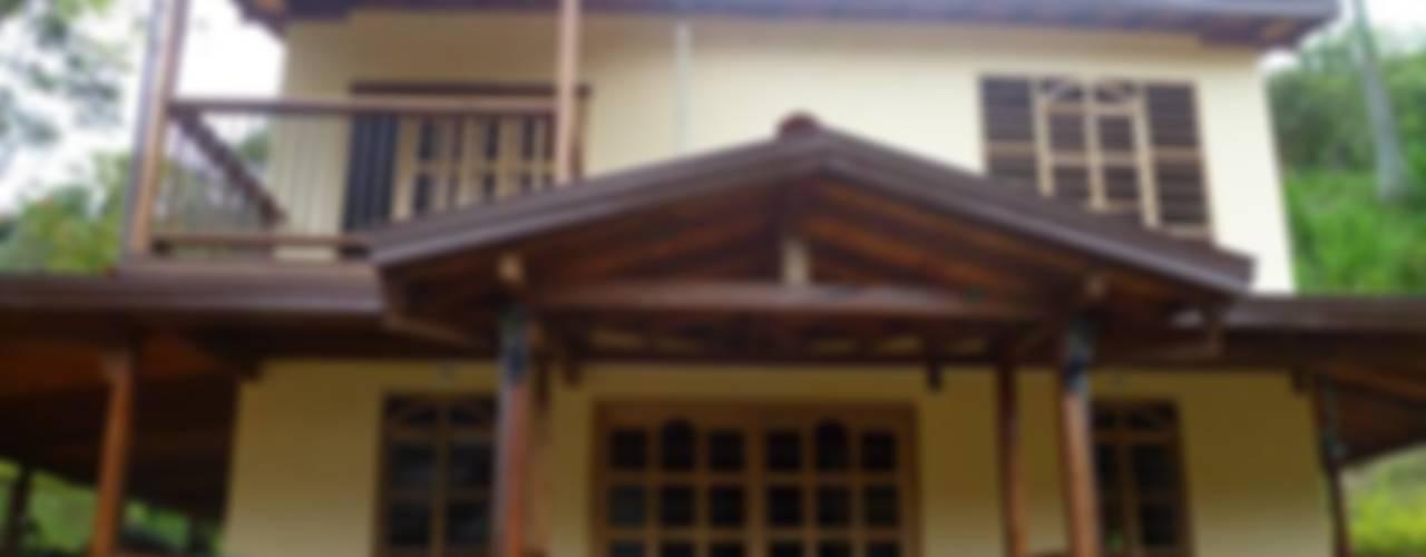 Casas de estilo  por PREFABRICASA