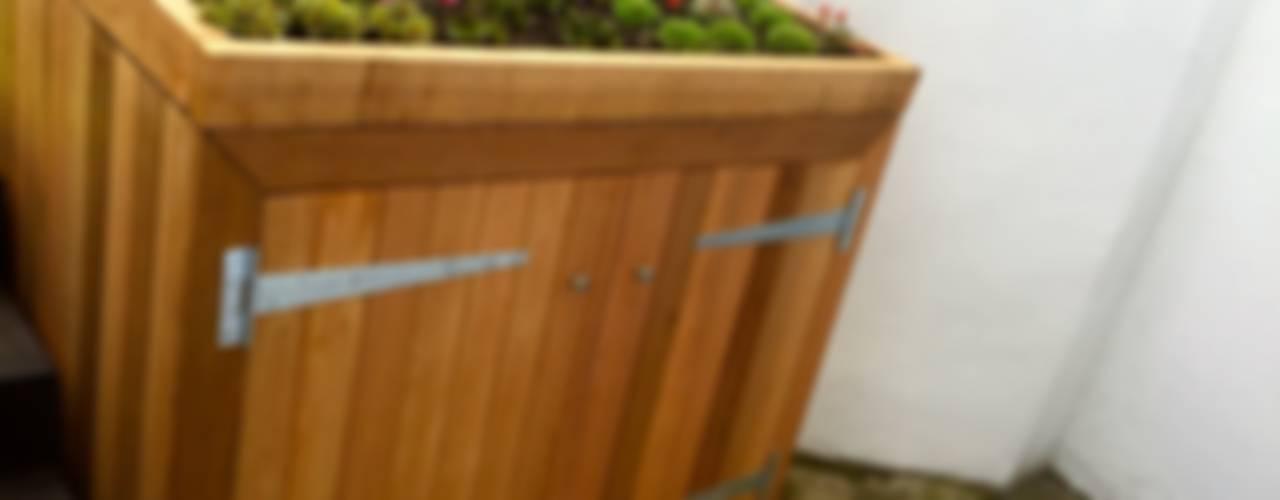 Funky Family Garden in Chiswick GreenlinesDesign Ltd Eclectische tuinen