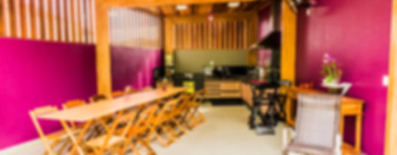 Cocinas de estilo tropical de Bianca Ferreira Arquitetura e Interiores Tropical