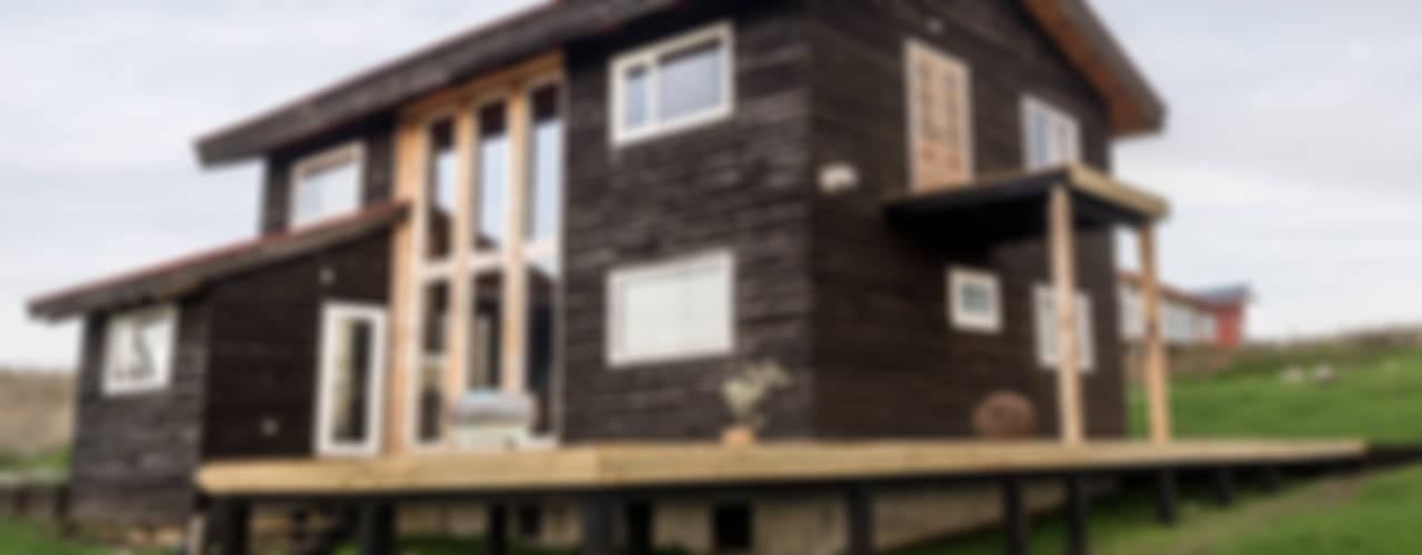 Nhà phong cách đồng quê bởi Almazan Arquitectura y Construcción Đồng quê