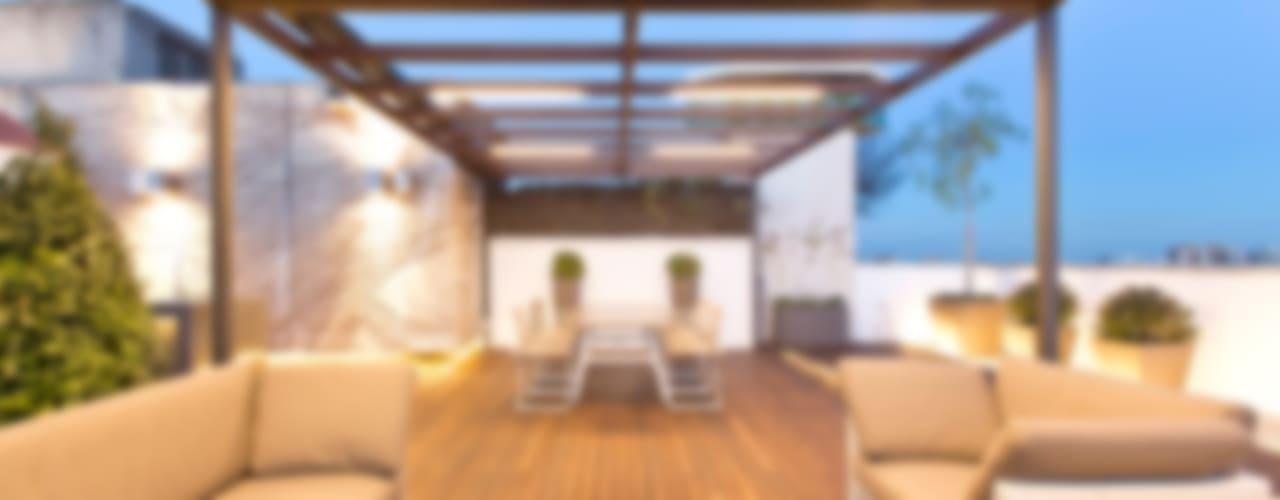 Balcones y terrazas de estilo moderno de Garden Center Conillas S.L Moderno