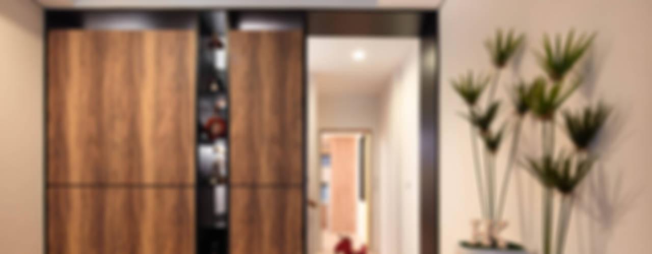 Moderne Wohnzimmer von 合觀設計 Modern