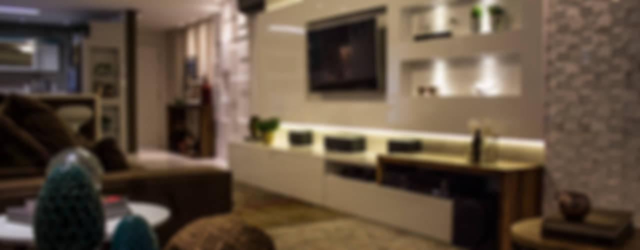 Salas de estilo  por Studio Treés Arquitetura e Interiores