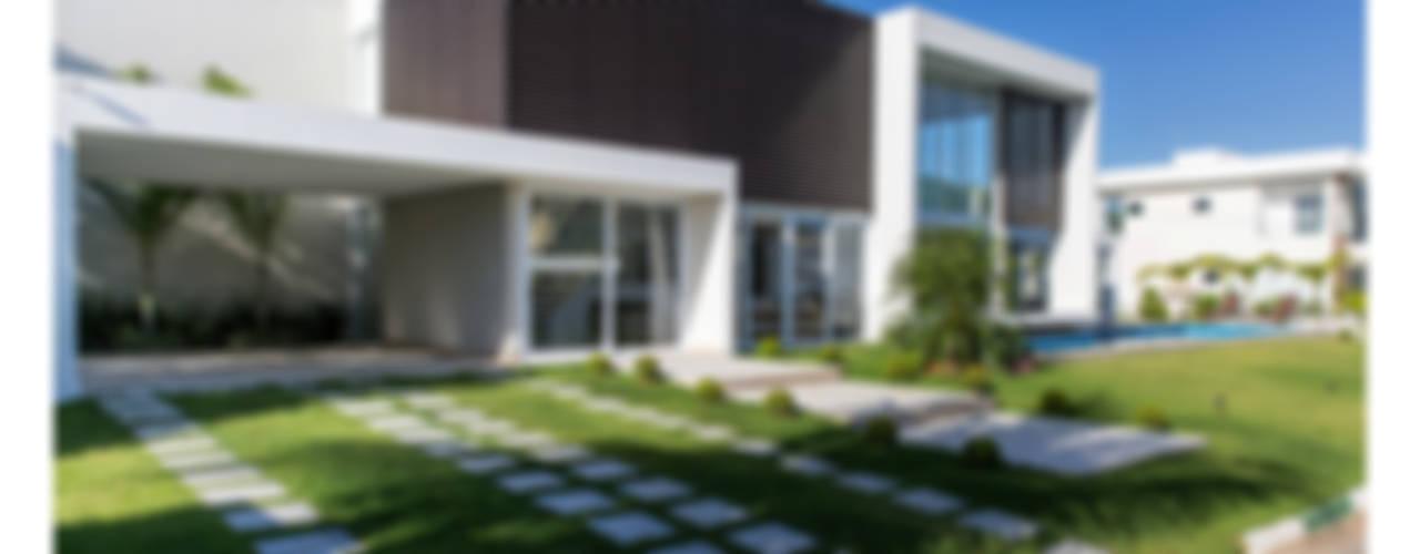 Casas minimalistas de Quattro Arquitetura Minimalista