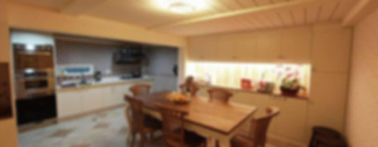 Kitchen by 七輪空間設計, Country
