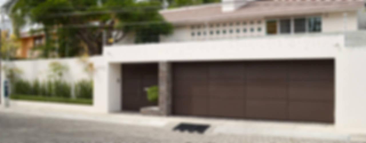 Casas modernas de GHT EcoArquitectos Moderno