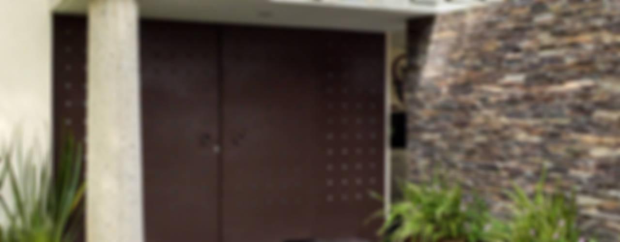 Casas de estilo  por GHT EcoArquitectos