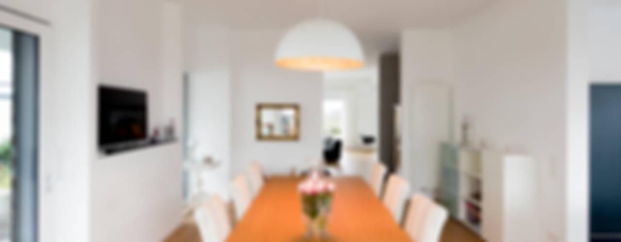Haus HC Ferreira | Verfürth Architekten Moderne Esszimmer
