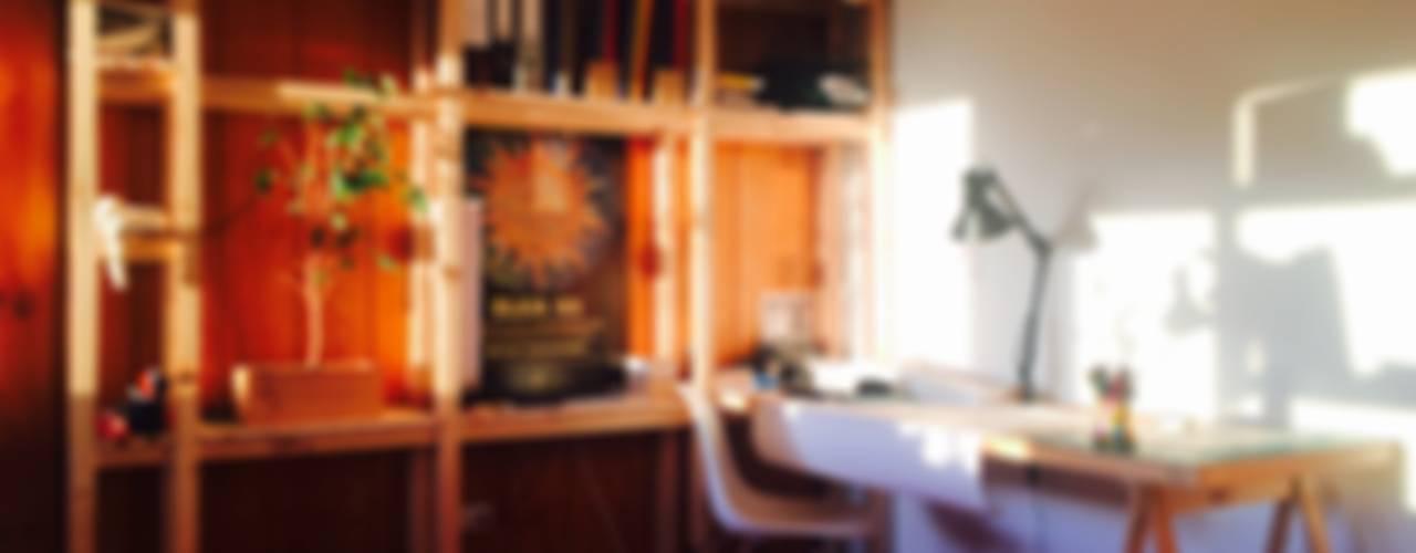 Estudios y oficinas de estilo moderno por Taller Independiente - Arquitectura & Diseño