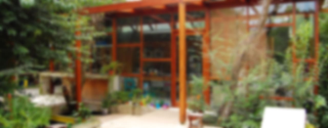 CASA VIVA Casas industriales de Guadalupe Larrain arquitecta Industrial
