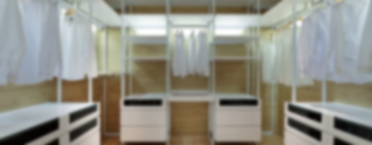 Dressing room by Millimeter Interior Design Limited,