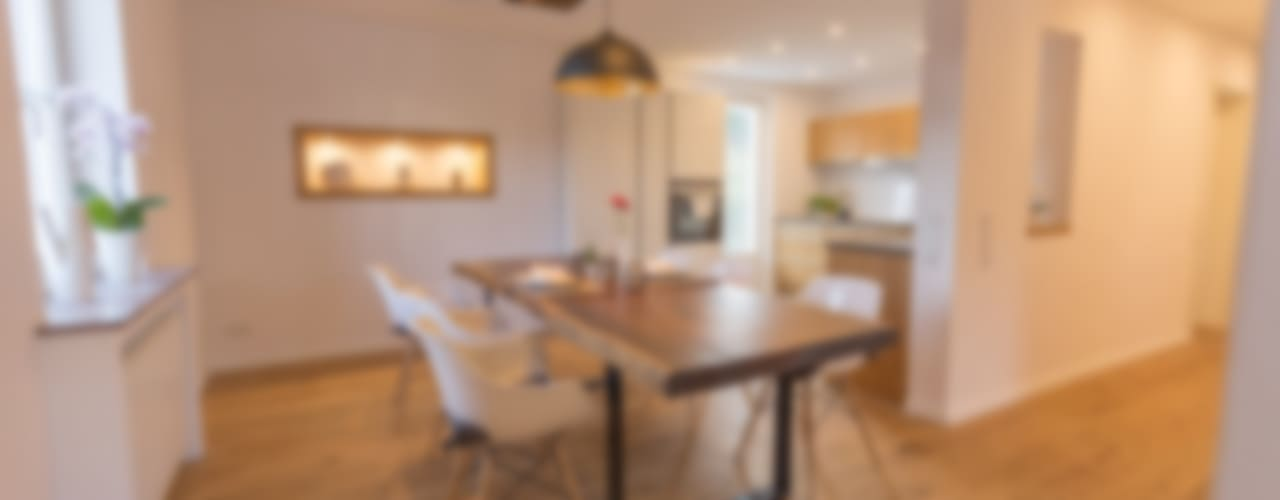 Dining room by FH-Architektur, Classic