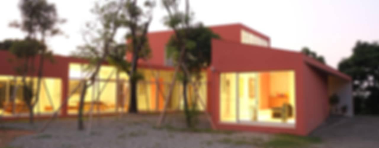 合院之家 根據 哈塔阿沃設計 hataarvo design 簡約風