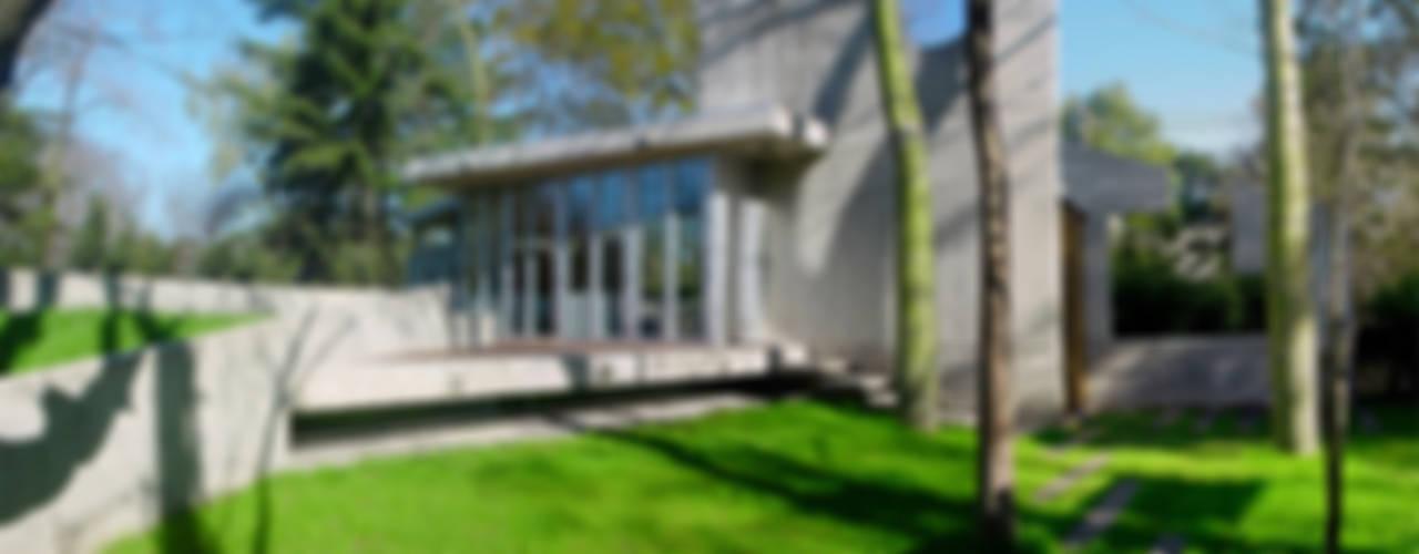 Modern Houses by MZM | Maletti Zanel Maletti arquitectos Modern