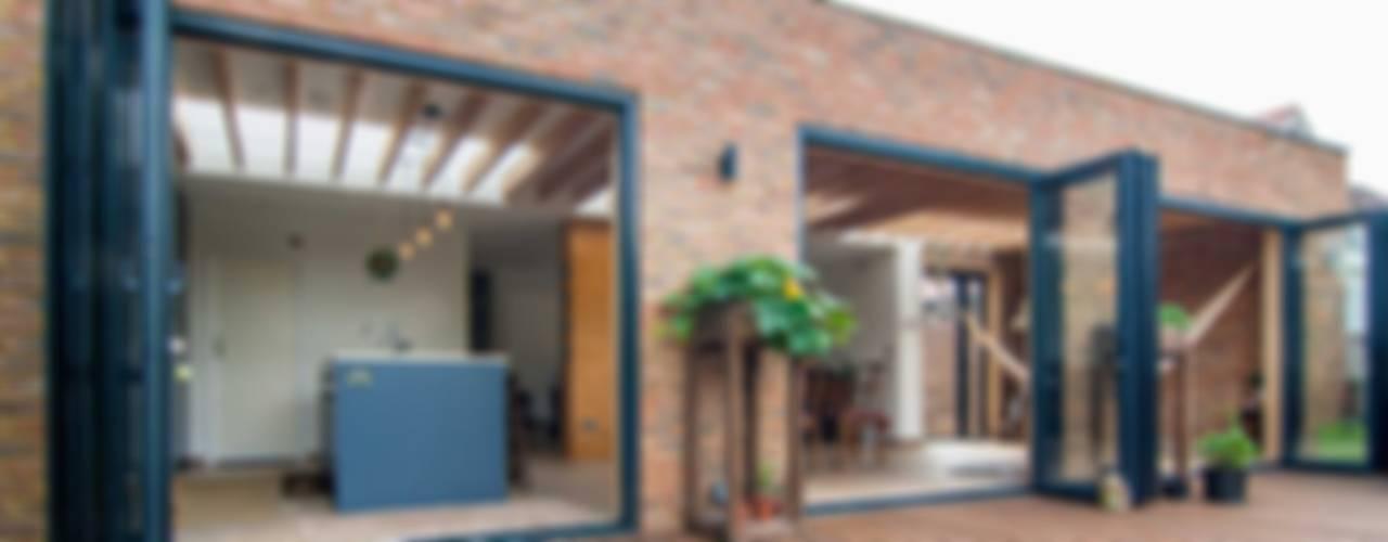 Houses by Bradley Van Der Straeten Architects