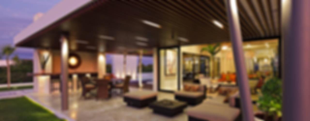 Terrazas de estilo  por LUMINICA Iluminación, Ecléctico