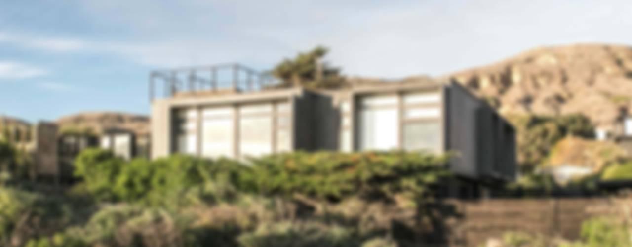 Casa Matanzas de MACIZO, ARQUITECTURA EN MADERA Moderno