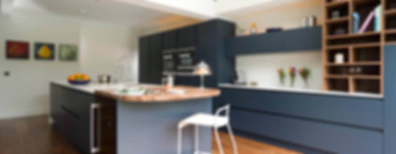 Pedini Arkè in Blue Night and Elm Modern kitchen by Urban Myth Modern