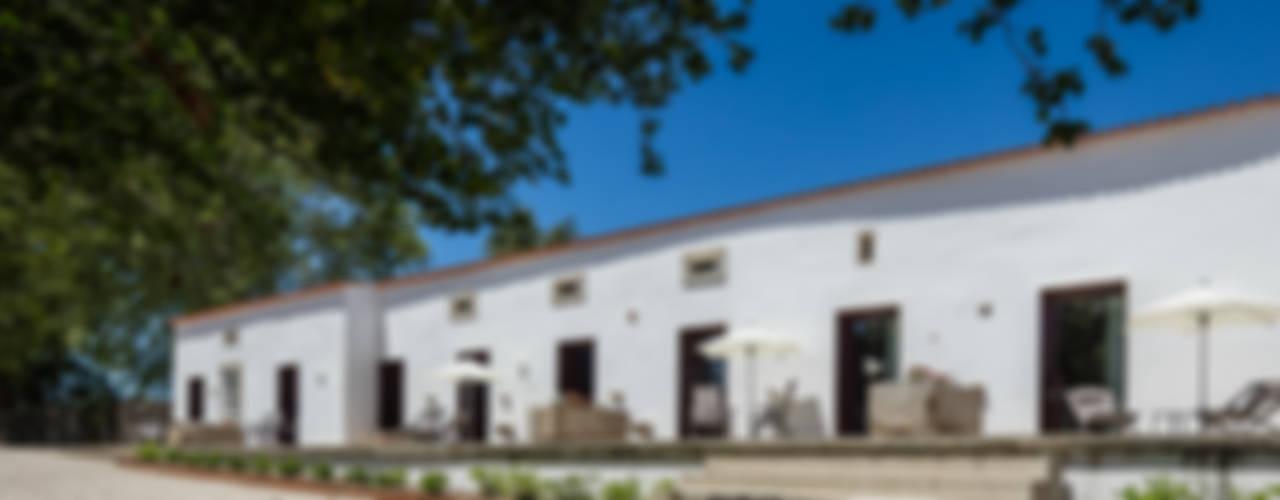 Casas de estilo mediterraneo por PROD Arquitectura & Design