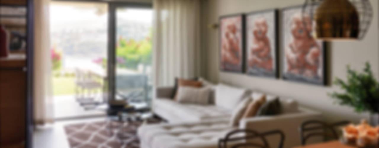 现代客厅設計點子、靈感 & 圖片 根據 Esra Kazmirci Mimarlik 現代風
