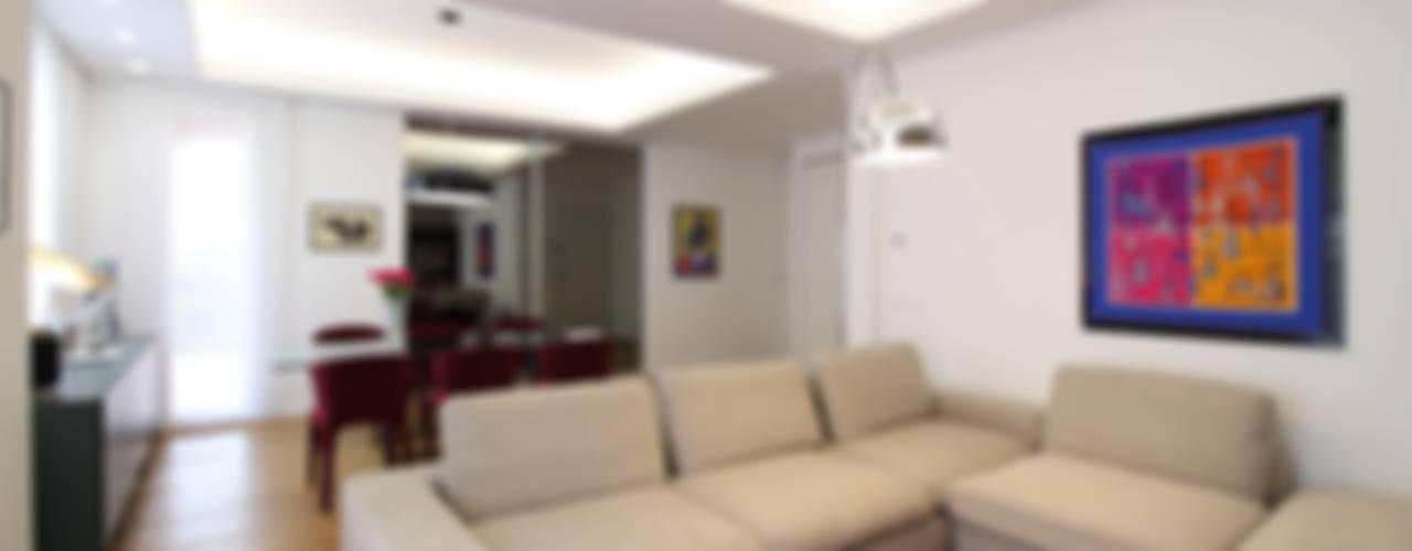 Appartamento a Termini Imerese PA: Soggiorno in stile  di Giuseppe Rappa & Angelo M. Castiglione