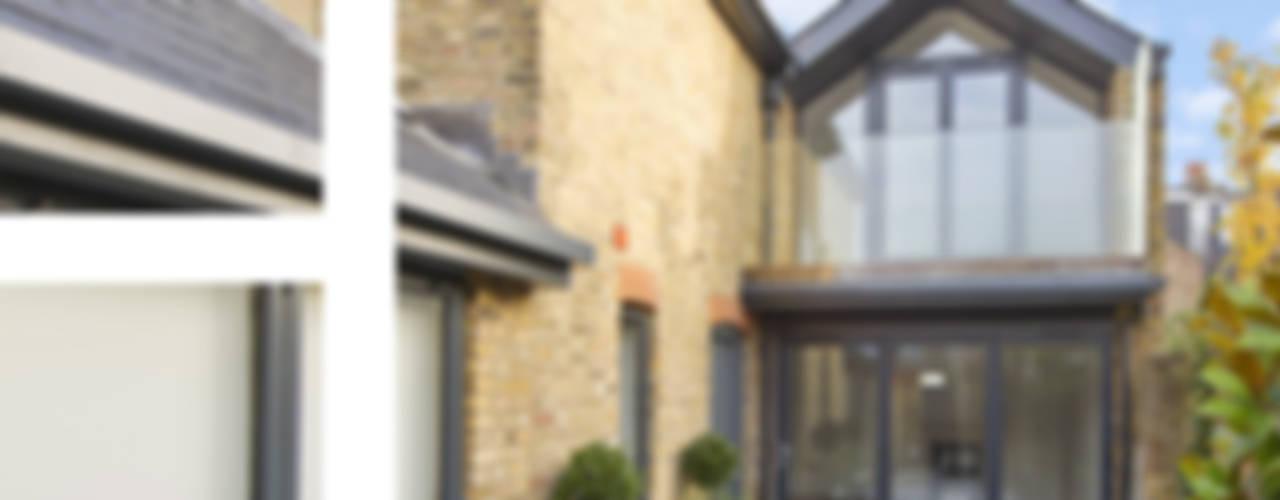 East Sheen Modern houses by Corebuild Ltd Modern