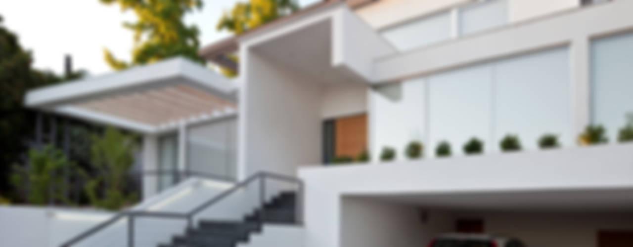 Ampliación y Remodelación de Casa Carreño en Vitacura, Santiago de [ER+] Arquitectura y Construcción Minimalista