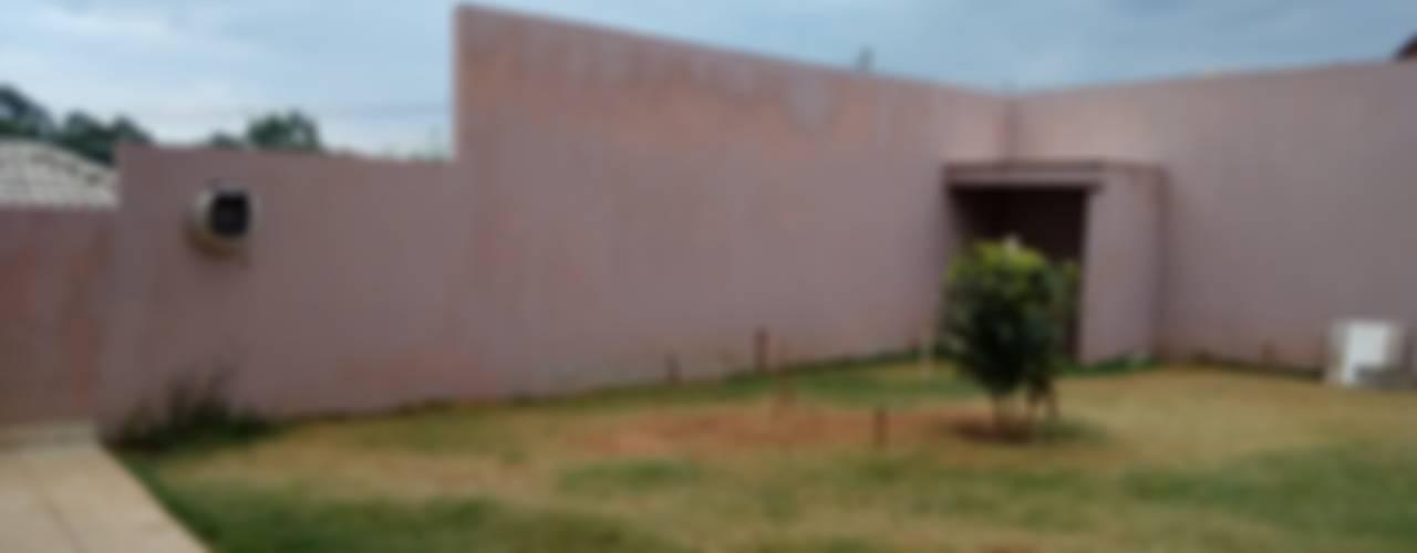 Casas unifamiliares de estilo  por Daniela Ponsoni Arquitetura