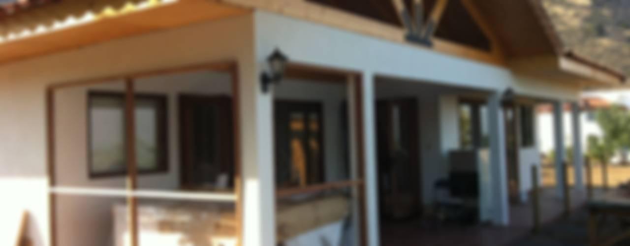 Vivienda Senior: Casas de estilo  por Qarquitectura
