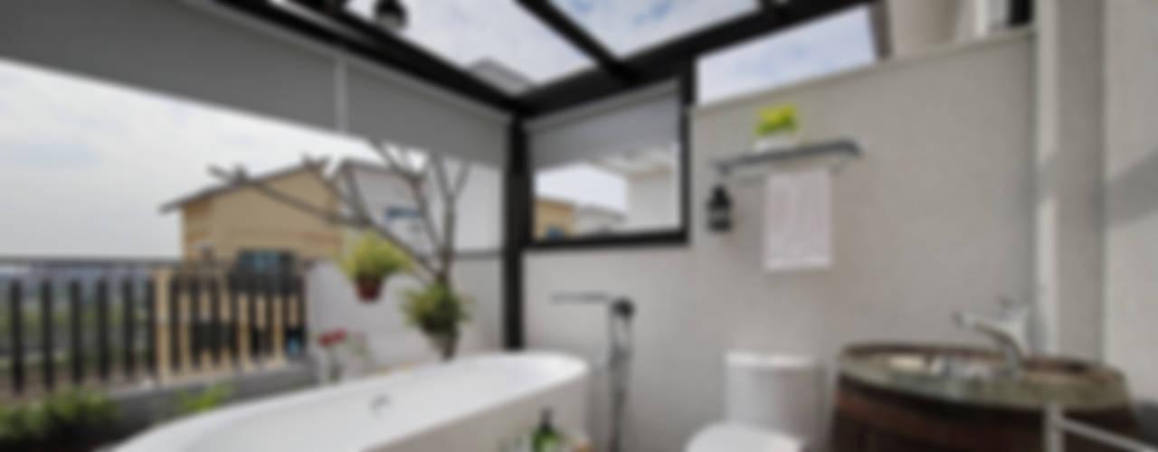 Bathroom by 楊允幀空間設計