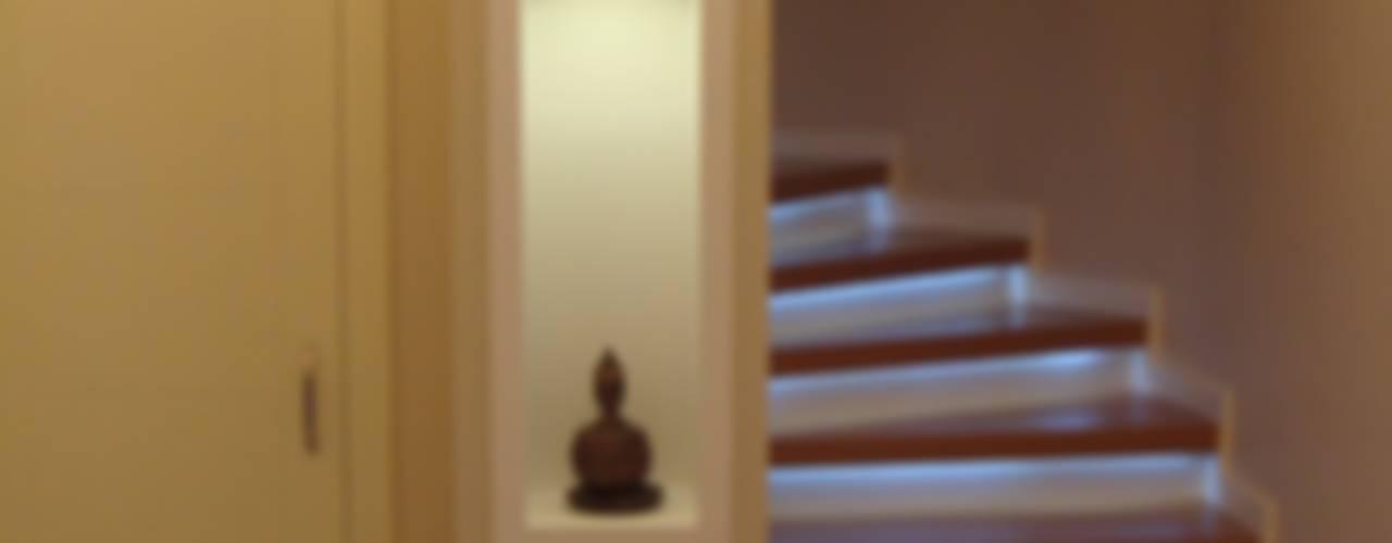 HEBART MİMARLIK DEKORASYON HZMT.LTD.ŞTİ. – Sinpaş Avangarden Konut:  tarz Merdivenler
